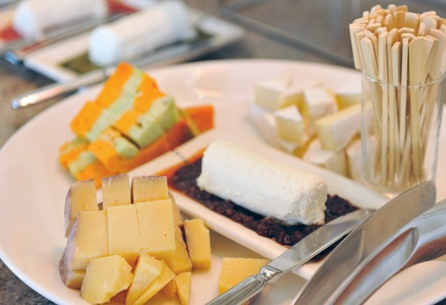 Be treated to only the best in dining at The Table Bay Hotel, Cape Town.