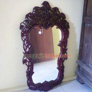 Kaca Cermin Hias Dinding juga menambah kesan elegant didalam ruangan anda. Cermin dinding ukuran besar yang kokoh menambah cantik interior anda