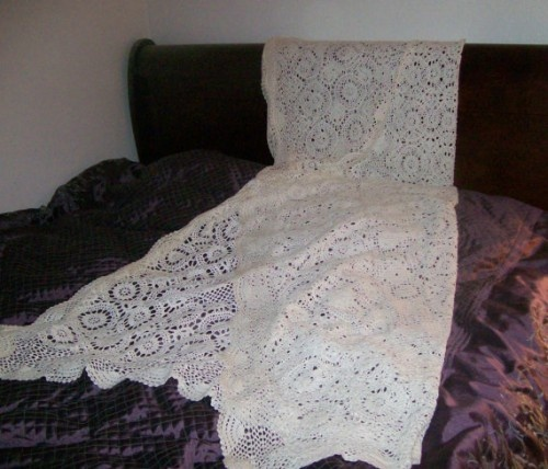 Crochet Patterns Queen Size Bed : This very large handmade crochet afghan or tablecloth is ...