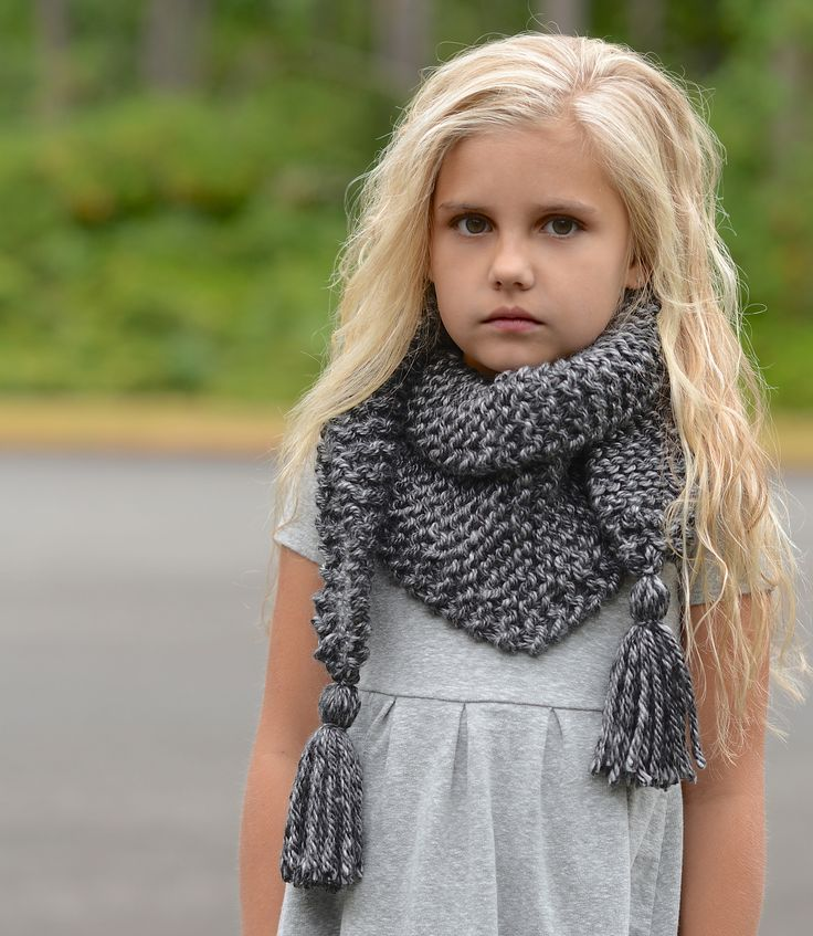 Just in time for fall! Make this beautiful scarf with Lion Brand Hometown USA - get the pattern by The Velvet Acorn.