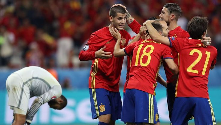 Spain became the third side after Italy and France to make it through to the last 16 of Euro 2016, after a 3-0 drubbing of Turkey