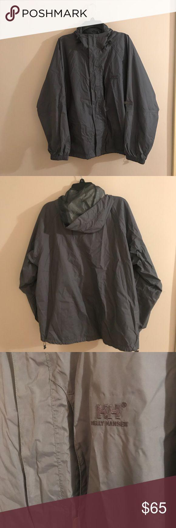 Helly Hansen Men's Rain Coat. Grey. Size L. Grey Helly Hansen men's rain coat. Some signs of slight wear. Size Large. Helly Hansen Jackets & Coats Raincoats