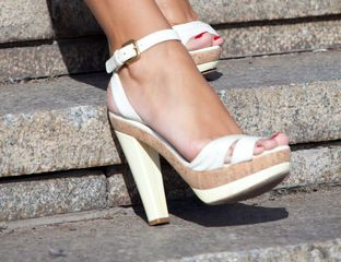 Sandalias blancas (Moda | Entremujeres)
