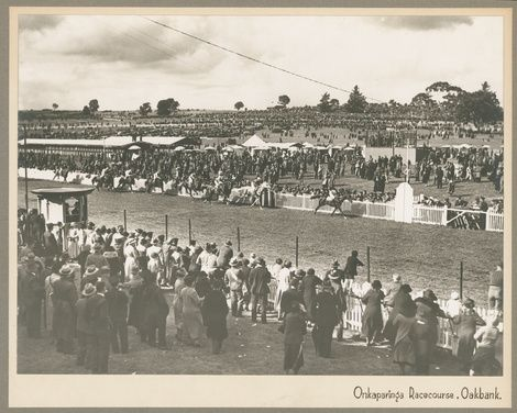 Oakbank Races • Photograph • State Library of South Australia