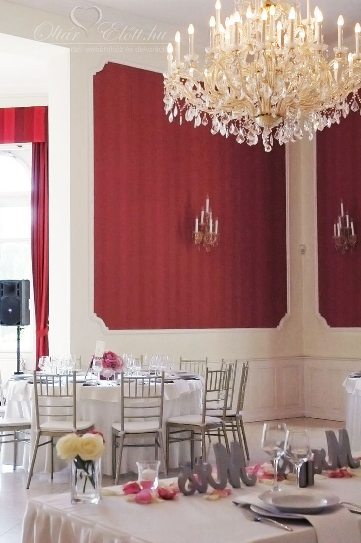 Amerikai stílusú esküvő a Malonyay Kastélyban