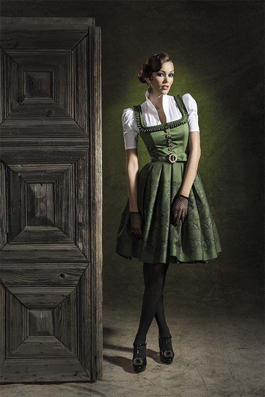 Mothwurf Austrian Couture