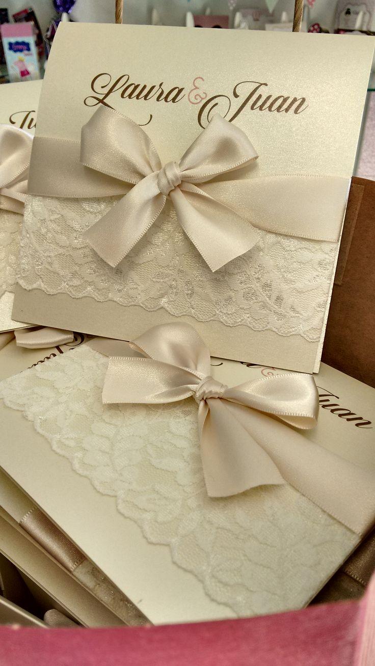 Invitaciones Boda Ivory con lindo detalle de encaje y listón satinado