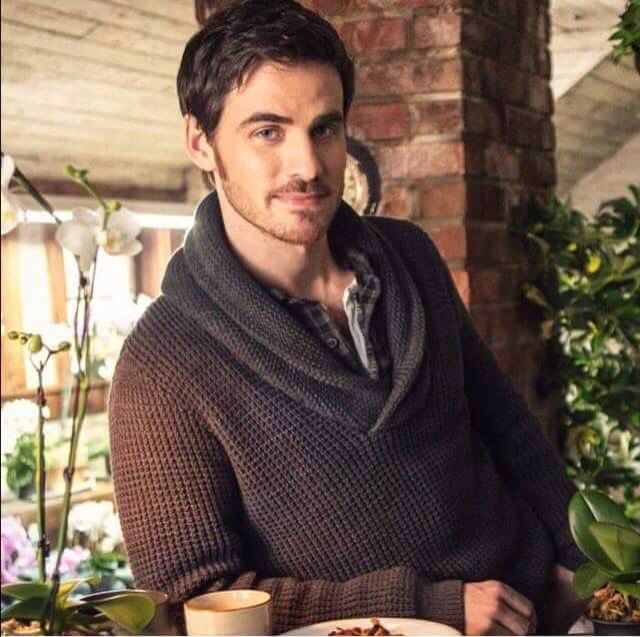 He's looking at you...hook ouat