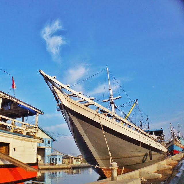 BLUSUKAN SEMARANG: Ayo takduduhi SEMARANG. Hosted: ottygrafitty-photographer wannabe :): Pelabuhan Tanjung Emas Semarang