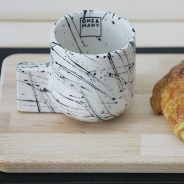 ☆ NEW COLLECTION ☆ Espresso cup in white and black lines pattern.