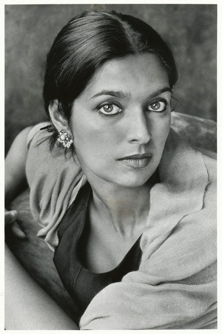 Jhumpa Lahiri in New York City, 2003 | Marion Ettlinger