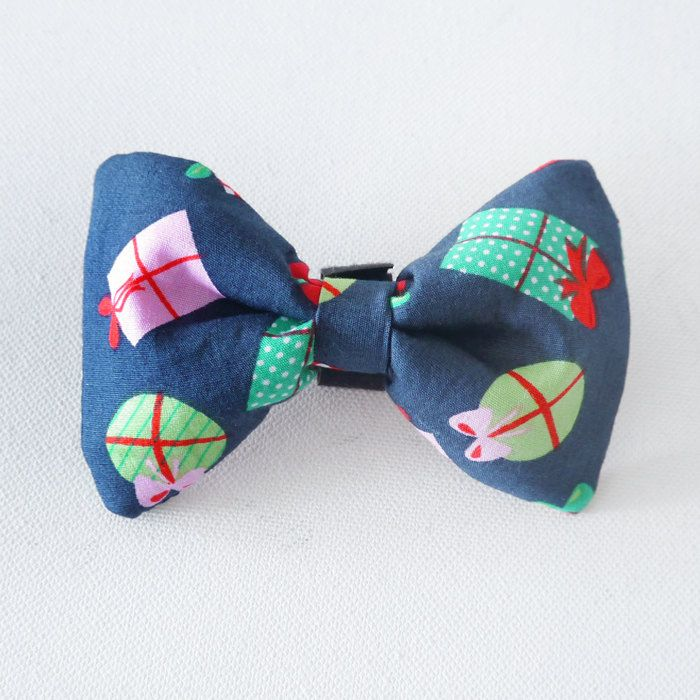 Christmas Dog Bow Tie, Pet Bow Tie, Bowtie, Collar Attachment Model Gift by PSIAKREW on Etsy