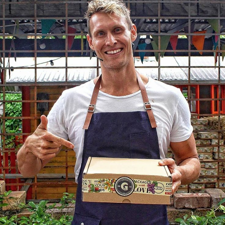 We love this photo @thegourmetguerrilla snapped of @lukehinesonline digging into some @goodnessmebox deliciousness at the Wholefood Markets in Sydney recently. ❤️ Thrilled to see our Otto Bib Apron in Marine taking part in the foodie fun. 🙏😊 #OurCrew #TheModernUniform #Apron #Foodie #goodnessmebox www.thegourmetguerrilla.com.au