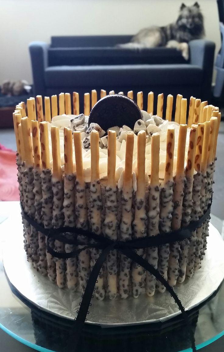 Oreo pocky cake