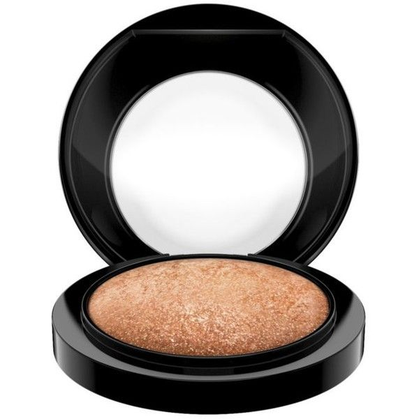 Mac Gold       Deposit Mineralize Skinfinish ($33) ❤ liked on Polyvore featuring beauty products, makeup, face makeup, face powder, beauty, kosmetyki, mac, gold deposit, mineral face powder and mac cosmetics