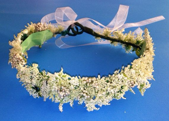 Adjustable Flower crown decorated with an assortment of white flowers, Queen Annes lace, and Pearl beads! Very Classic and traditional colors which