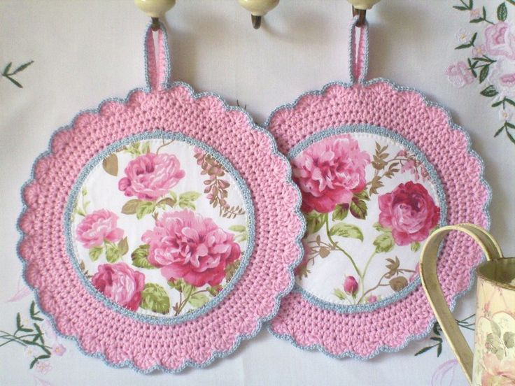 Round pot holders in pink - Cottage style with roses