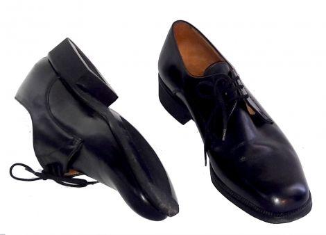 Je viens de mettre en vente cet article  : Chaussures à lacets Bally 110,00 € http://www.videdressing.com/chaussures-a-lacets/bally/p-6056216.html?utm_source=pinterest&utm_medium=pinterest_share&utm_campaign=FR_Homme_Chaussures_6056216_pinterest_share