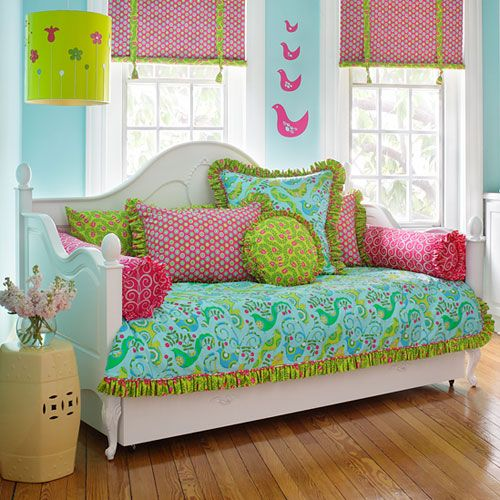 Convey Your Little Girl S Personality Through Her Bedroom: 1000+ Ideas About Girls Daybed On Pinterest