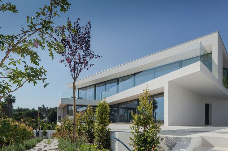 Completed in 2015 in Cruz Quebrada, Portugal. Images by João Morgado. Located in one of the highest points in Oeiras, Portugal, with a view over the Tejo river and the Atlantic ocean, this house is based on a...