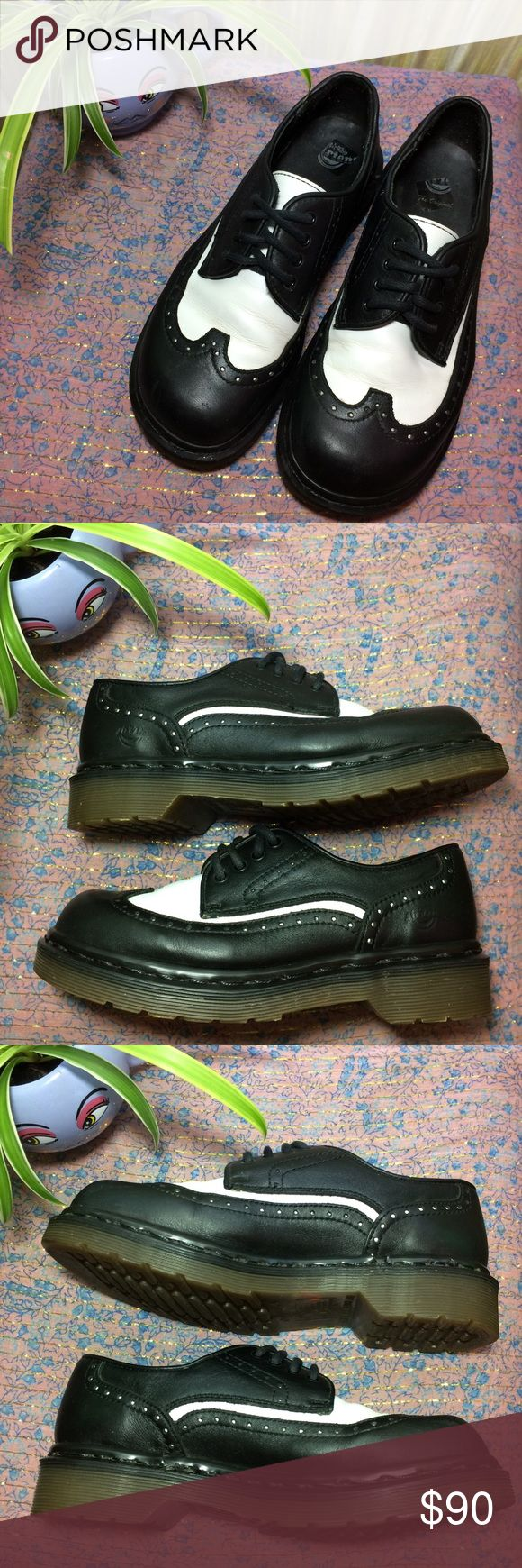 """Vintage Dr. Martens Leather Wingtip Oxfords Black White Leather Wingtip Oxfords. UK 4. US Women's 6. Made in England 🇬🇧 Normal creasing. Minor scuffing on toes. In amazing vintage condition. Includes original black laces & brand new ribbon laces.  Insole-9.25""""  🚫 I don't discuss prices through comments, please use the offer button!  ⚡️ Same-day or next-day shipping 📬 All packages handled with care 📦 Bundle 2+ items for a discount 👽 Follow for new items & sale updates 🏡 Pet-free…"""