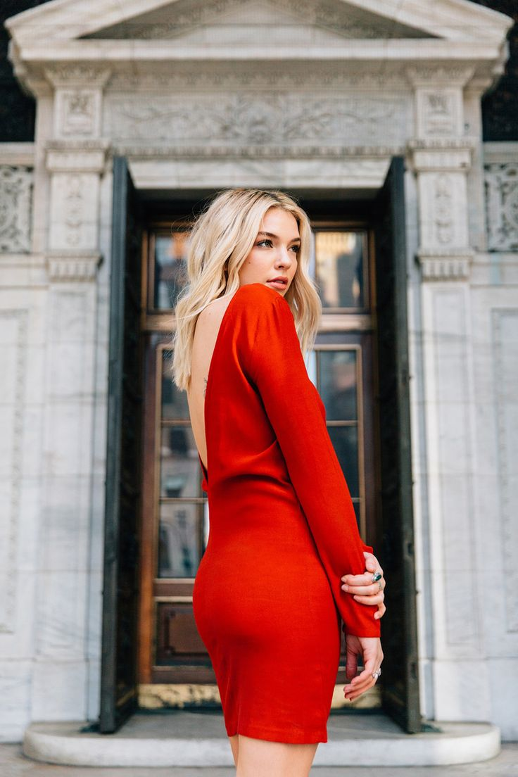 I have loved adapting to being a new york city photographer! Sydney was in town for a week for work so of course we had to do a shoot when she was here! We shot in some classic new york city locations like the public library, 5th avenue, and ended at top of the rock! We laughed a lot as people watched us on the street. (something I am still not used to) I loved the shot of her laughing after some firemen cat-called out to her... oh boy fellas! Can you blame them? She is absolutely stunn...