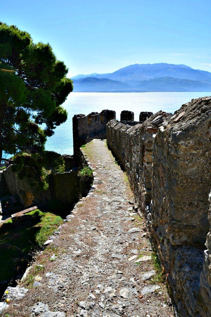 Walk the castle walls in Nafpaktos!