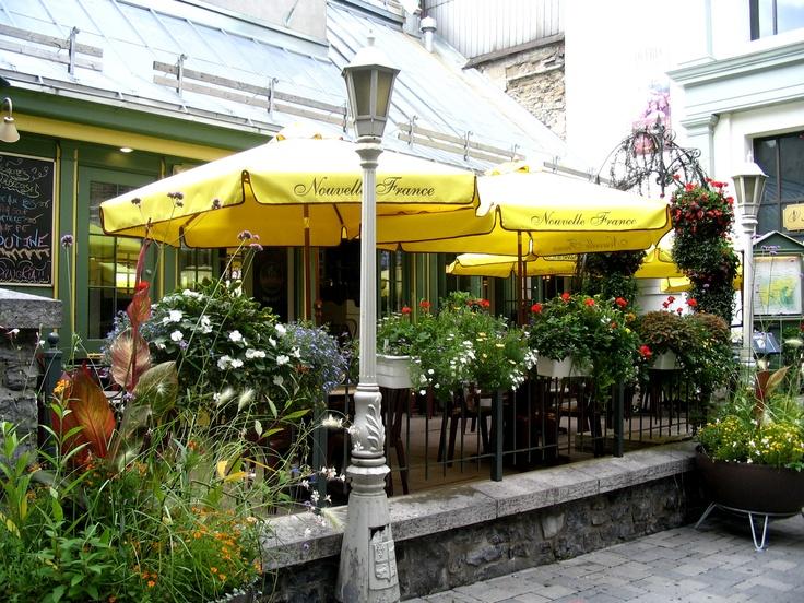 Sidewalk Cafe - Old Quebec City