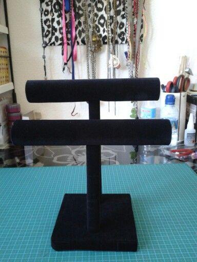 Soporte para pulseras diy, paso a paso en http://dakatanapurple.blogspot.com