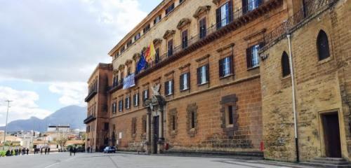 Sicilia: Le #pensioni dei #deputati Ars   Fardello da 18 milioni annui (link: http://ift.tt/2i2QkGY )