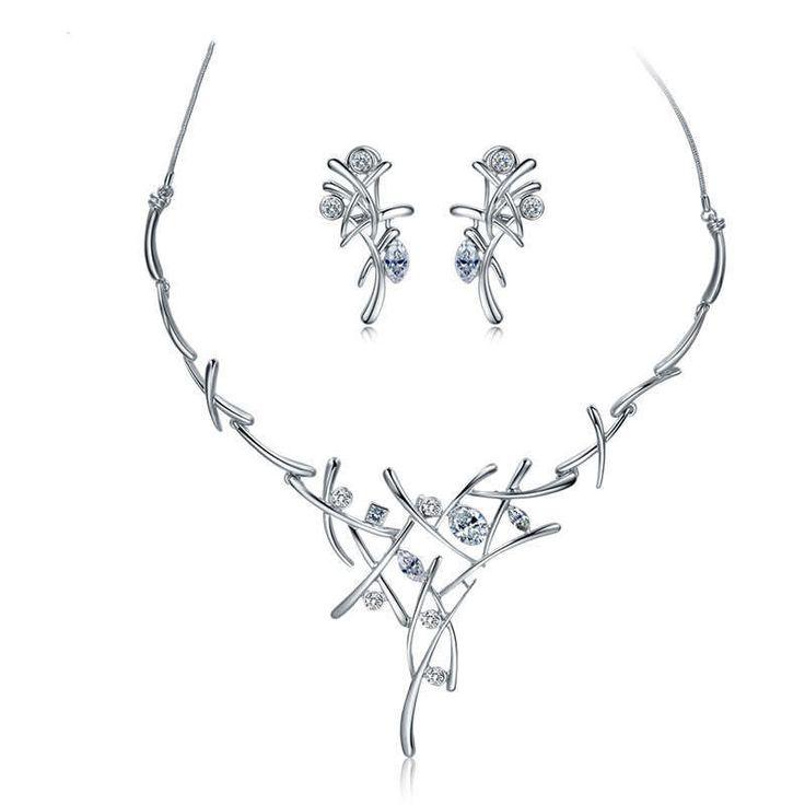 Elegante set completo in lega d'argento e cristalli chiari collana e orecchini perfetti per una serata galante o anniversario V601082A-001 di OceanBijoux su Etsy
