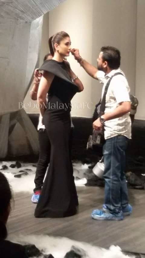 Kareena Kapoor Khan shoots for an Ad.  Kareena Kapoor Khan was recently spotted celebrating the birthday of her close friend, Pompy Hans, who is also her hairstylist. The duo were working on a TVC for a brand that Kareena endorses. Have a look at some exclusive pictures from the set here!