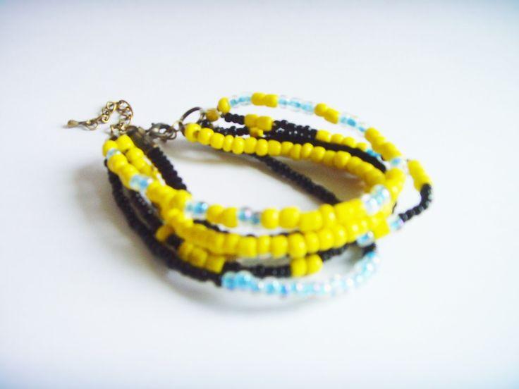 Bracelet multi-rangs Jaune Noir Bleu Perles et fils. : Bracelet par crea-mania