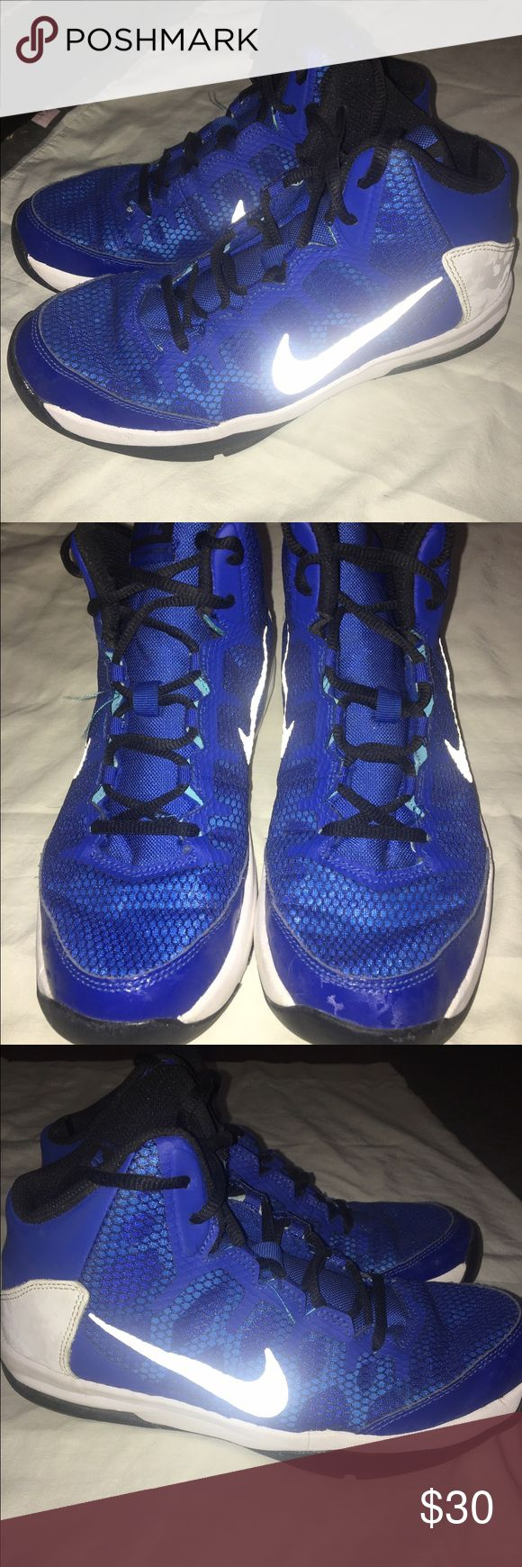 Nike Zoom Without A Doubt Basketball Shoes Great condition & great ankle support. Very comfortable Nike Shoes Sneakers