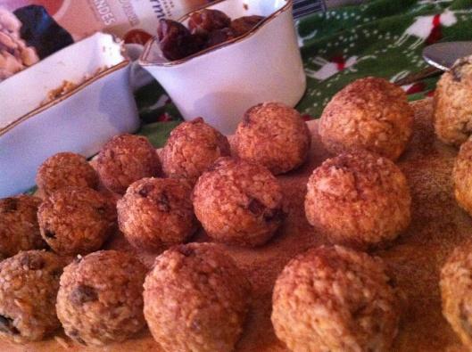 Grain-free, sugar-free, bake-free Protein Balls.