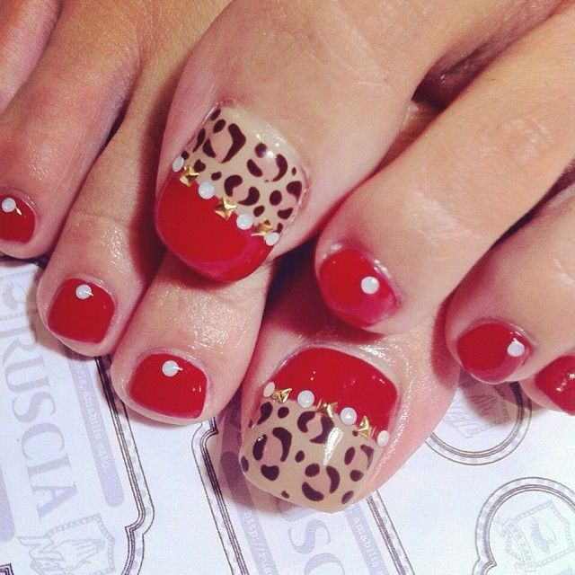 Cute this way or would be cute with the big toe leopard print and another of the toes beige…