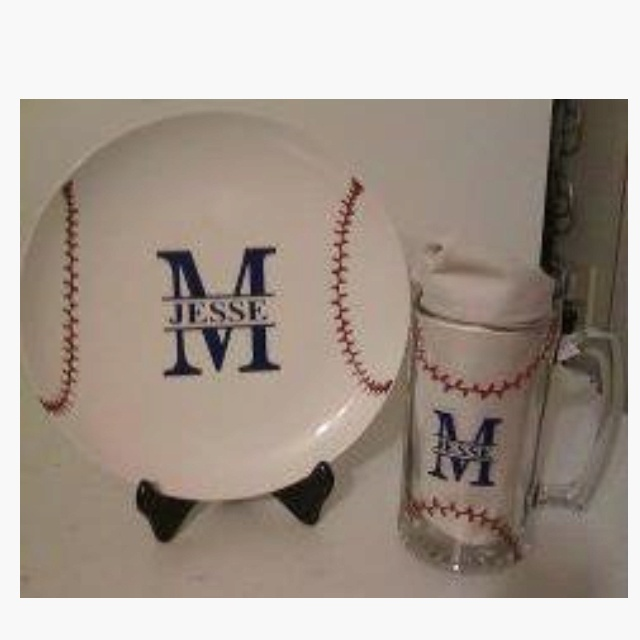 Baseball plate....easy easy easy to do with my cricut!!!!....