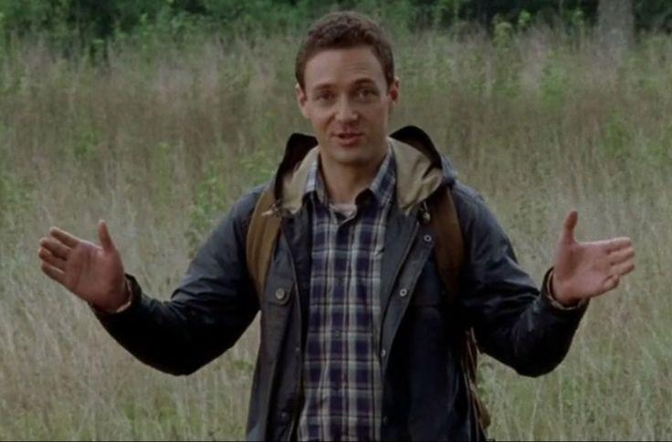 Qui est le nouveau petit venu Aaron dans The Walking Dead saison 5 ? Qui est ce mystérieux personnage ? Voici des réponses...