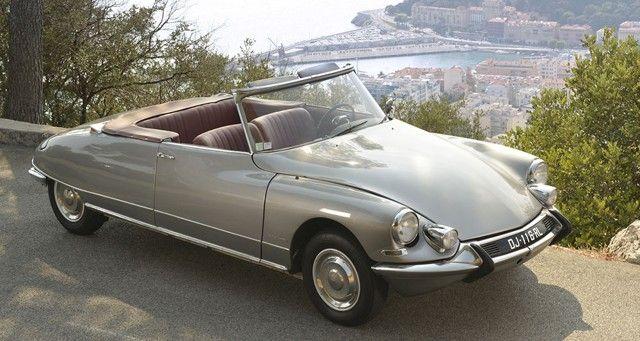 Avec une flotte d'une quarantaine de voitures de collection, Rent A Classic Car cible à la fois la clientèle des particuliers et celle des entrepris...