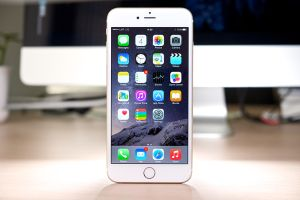 Apple Constructing Wireless Charged iPhone by 2017