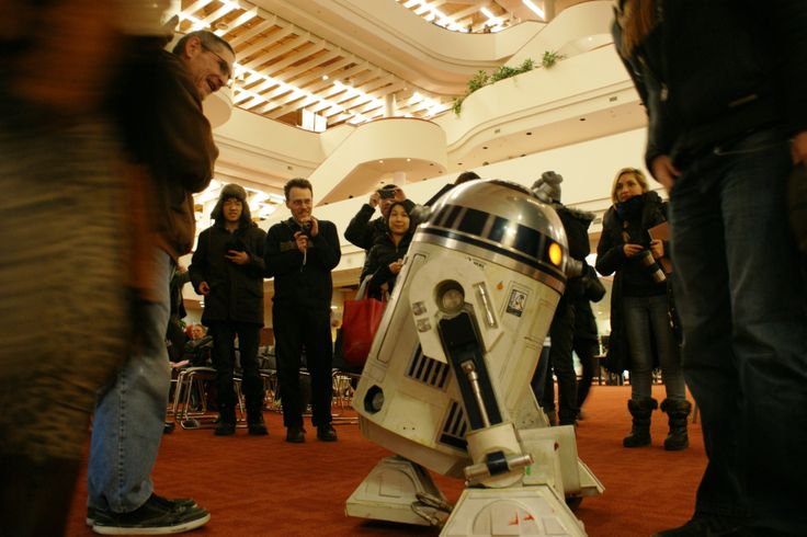 Star Wars droid R2D2 visited the Digital Innovation Hub's first-ever MeetUp in January 2014 at Toronto Reference Library. This R2D2 is the creation of Alex Kung, from the International R2D2 Builders Group.