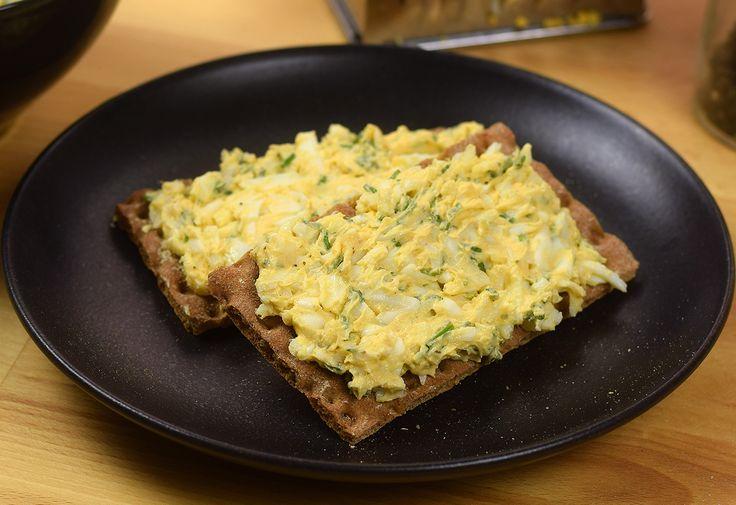 Ez a hihetetlenül gyorsan elkészíthető és rendkívül finom krém tökéletes megoldás,ha változatossá szeretnénk tenni a szendvicsünket néha napján!