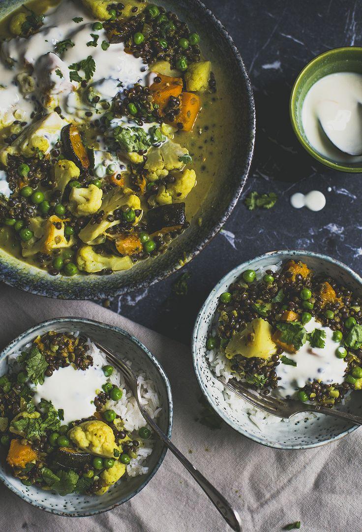 Curry met linzen bloemkool.  Een recept van de Groene Meisjes #curry #groenemeisjes #recept #linzen