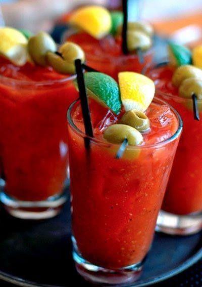 Koktajl pomidorowo-warzywny - pyszna alternatywa dla kanapek!