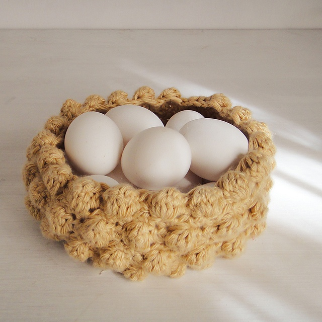 easter basket nest crochet pattern by Sol Maldonado