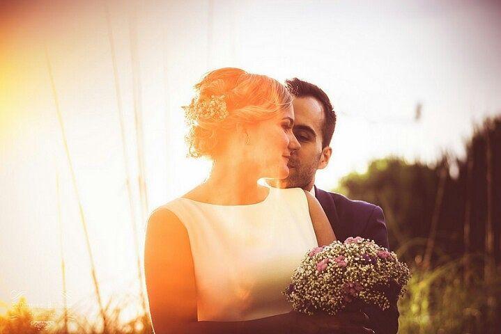 One year of Love Feliz primer aniversario de la fantástica Boda de @loreydidi Besos pareja!! #bodas  #elcreadorderecuerdos  #spainweddingphotographer  #bodasconestilo  #siquiero #novias  #bodasbonitas  #ideasparabodas #lookslikefilm #instawedding  #instabodas #noscasamos #weddingplanner  #mecaso #vestidodenovia #bodasensevilla #fotografiadebodas  #fotografodebodas  #SonyAlpha  weddingtime #bodasnet