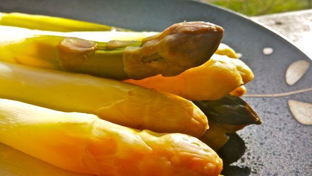 Cómo cocer espárragos rápidamente, por Patxi Gimeno, cocinero deportivo www.patxigimeno.com
