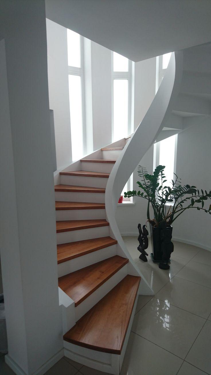 Massive spirale Treppe aus Bläh-Ton Fertigteilen - Wendeltreppe / Betontreppe Nr. 1