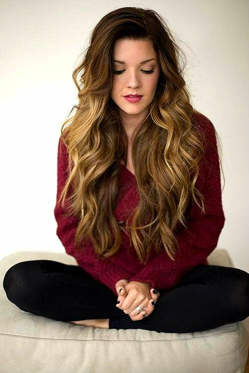 Hair tip: For effortless (& heatless) waves, braid your hair before you sleep. The next morning, undo the braids & gently run your fingers through your hair. Optional: For longer lasting waves, spritz your hair with hairspray. Image Source: Faopia.com