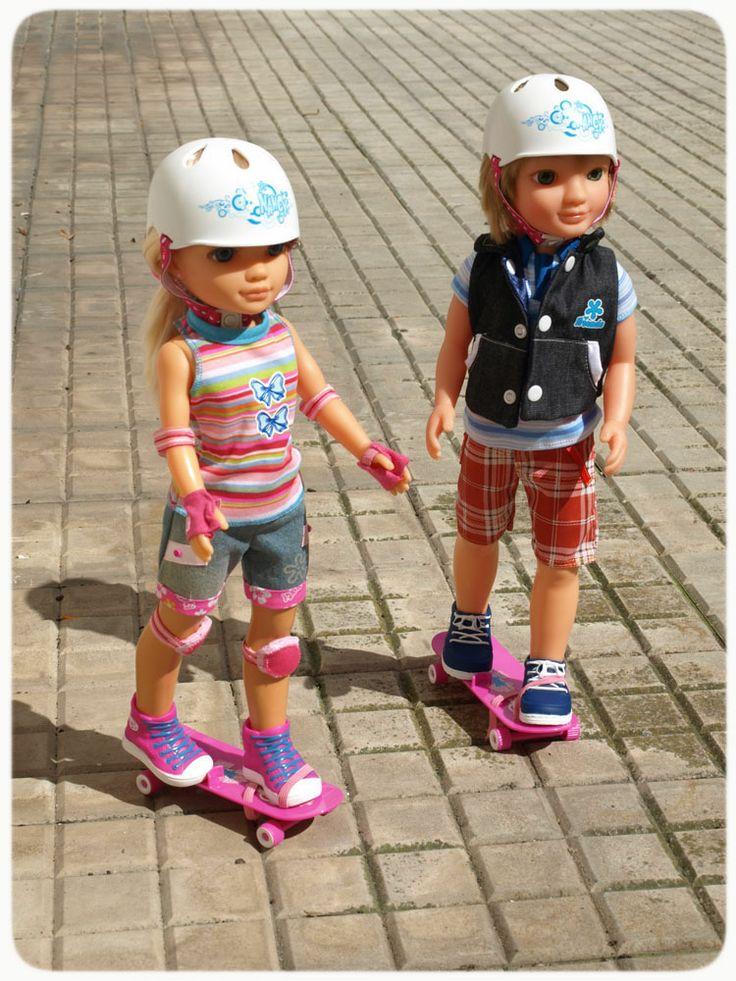 Skateboarding Classes With Lucas   Nancy  Dolls  Toys
